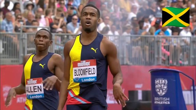 Akeem Bloomfield holds off Jonathan Jones to win the 400m in London