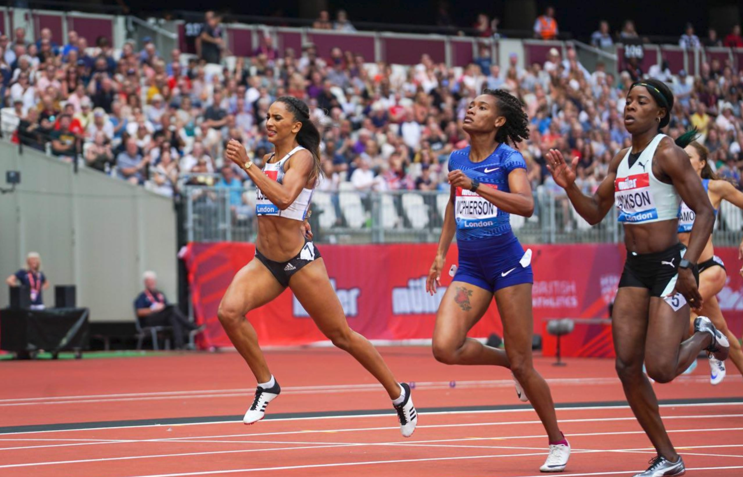 Shericka Jackson, Stephenie Ann McPherson 1-2 in 400m race in London