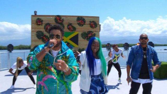 Watch Shaggy, Sean Paul and Spice perform 'Go Down Deh' during the